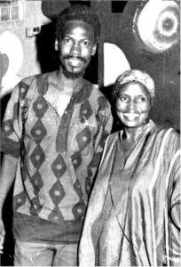Avec l'Impératrice de la chanson Africaine Miriam Makéba
